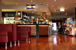 Leighoak Hotel - Accommodation in Surfers Paradise