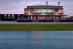 Birkenhead Tavern - Accommodation in Surfers Paradise