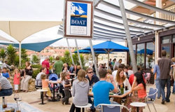 The Boat - Accommodation in Surfers Paradise
