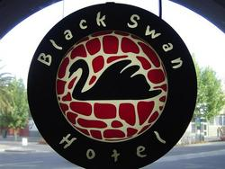 Black Swan Hotel - Accommodation in Surfers Paradise