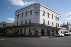 Royal Hotel - Accommodation in Surfers Paradise