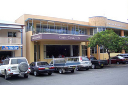 Town Green Inn - Accommodation in Surfers Paradise