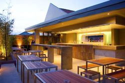The Bended Elbow - Accommodation in Surfers Paradise