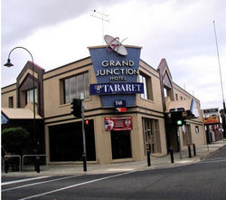 Grand Junction Hotel - Accommodation in Surfers Paradise