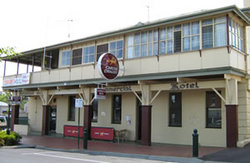 Commercial Hotel Alexandra - Accommodation in Surfers Paradise
