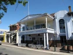 Mount Pleasant Hotel - Accommodation in Surfers Paradise