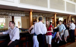 Cairns International Lobby Bar - Accommodation in Surfers Paradise