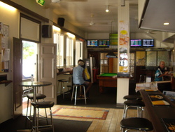 Riverstone Hotel - Accommodation in Surfers Paradise