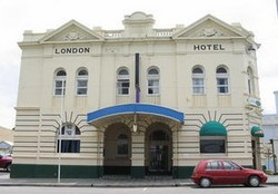 The London Hotel - Accommodation in Surfers Paradise