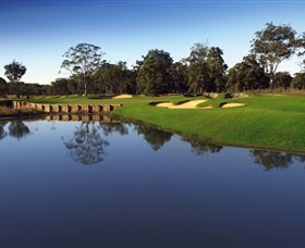 Kooindah Waters Golf Club - Accommodation in Surfers Paradise