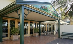 Twin Willows Hotel - Accommodation in Surfers Paradise