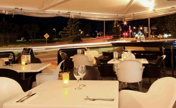 Cafe Fresh Lounge Bar  Shinsen Restaurant - Accommodation in Surfers Paradise