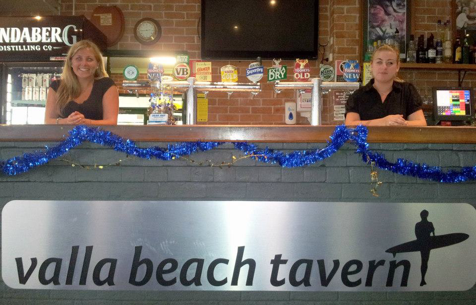 Valla Beach Tavern - Accommodation in Surfers Paradise