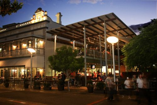 The Plough Inn Steakhouse Restaurant - Accommodation in Surfers Paradise