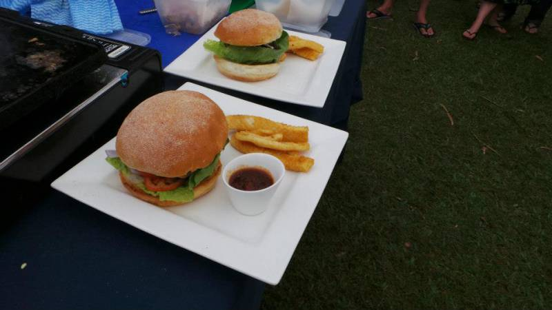 Bushland Beach Tavern - Accommodation in Surfers Paradise
