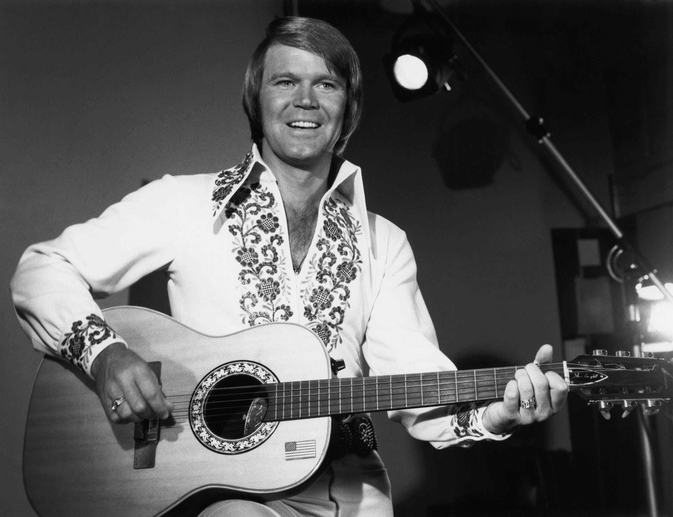 Glen Campbell And Frankie Laine Show - Accommodation in Surfers Paradise