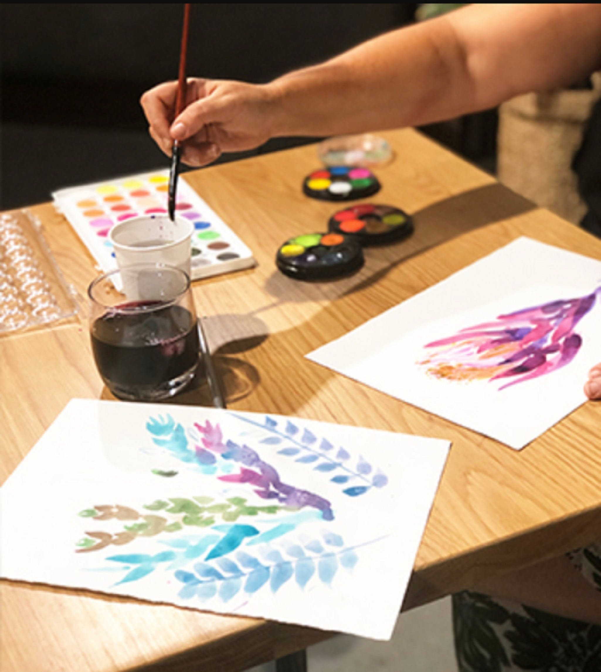 Paint and Sip Class Watercolour and Wine - Accommodation in Surfers Paradise