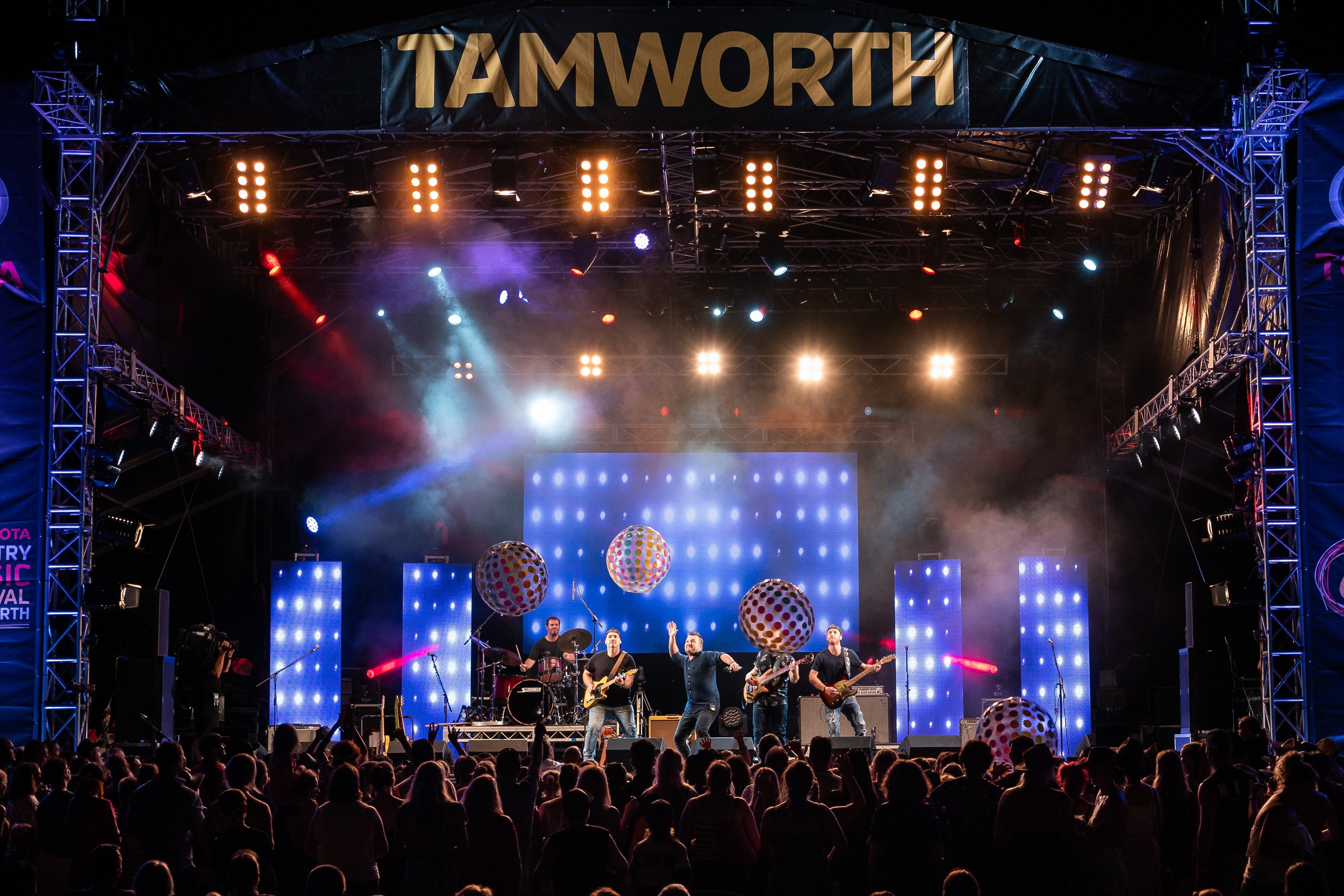 Toyota Country Music Festival Tamworth - Accommodation in Surfers Paradise