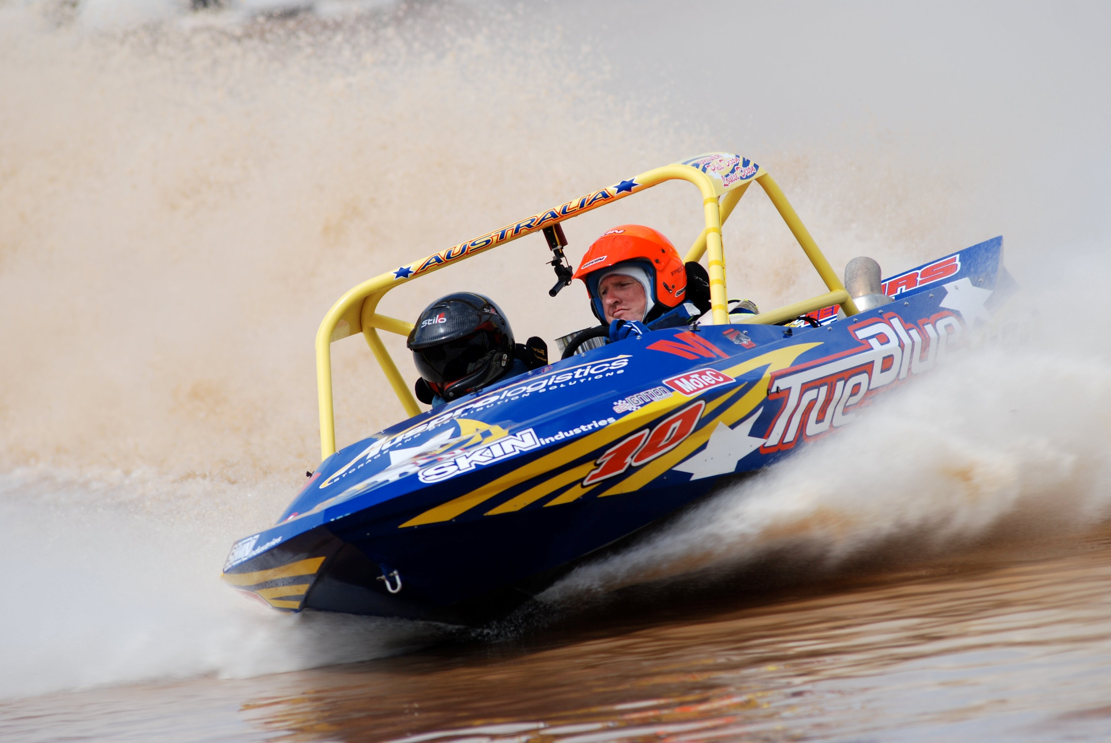 V8 Superboats - Accommodation in Surfers Paradise