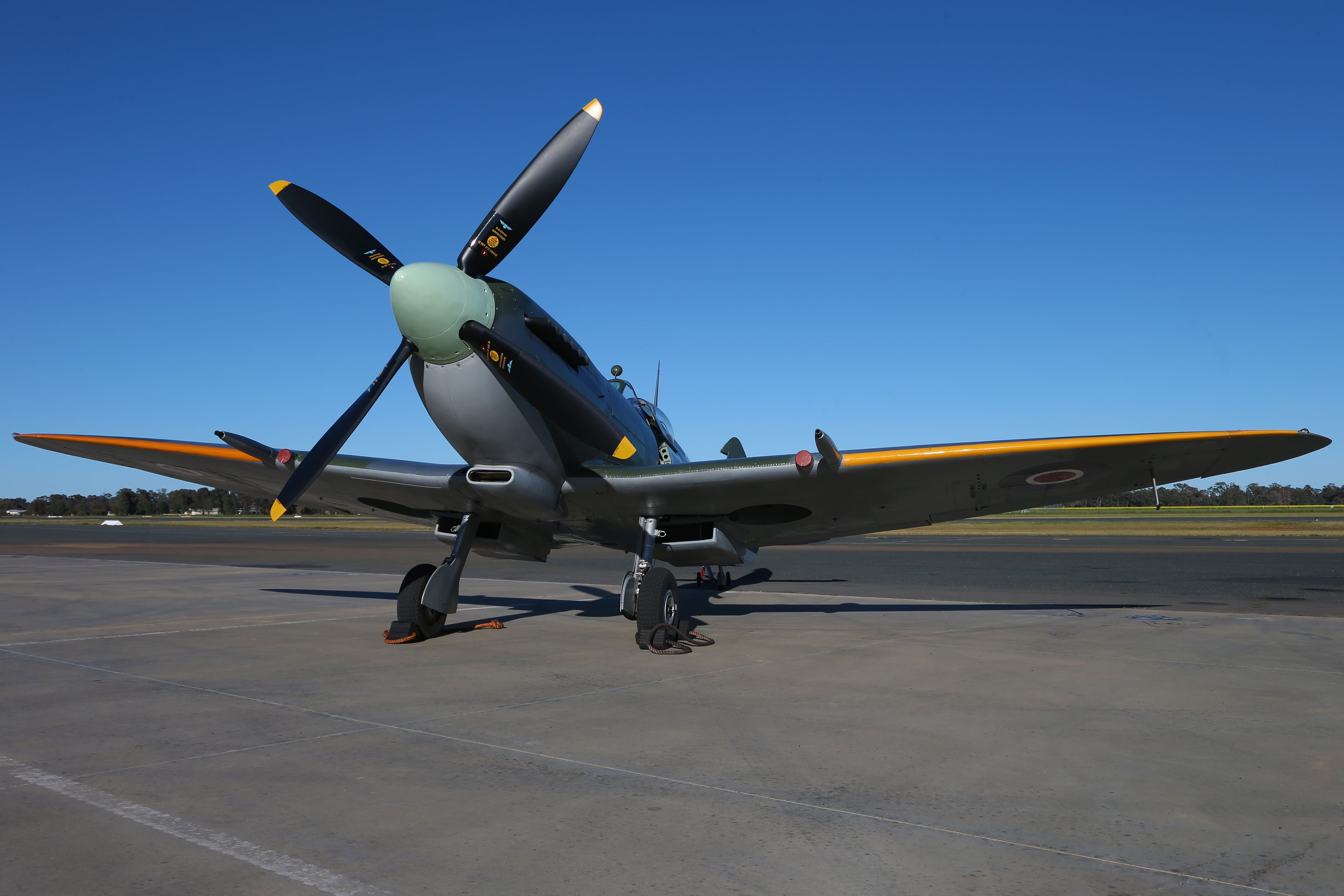 October Weekend Aircraft Showcase - Accommodation in Surfers Paradise