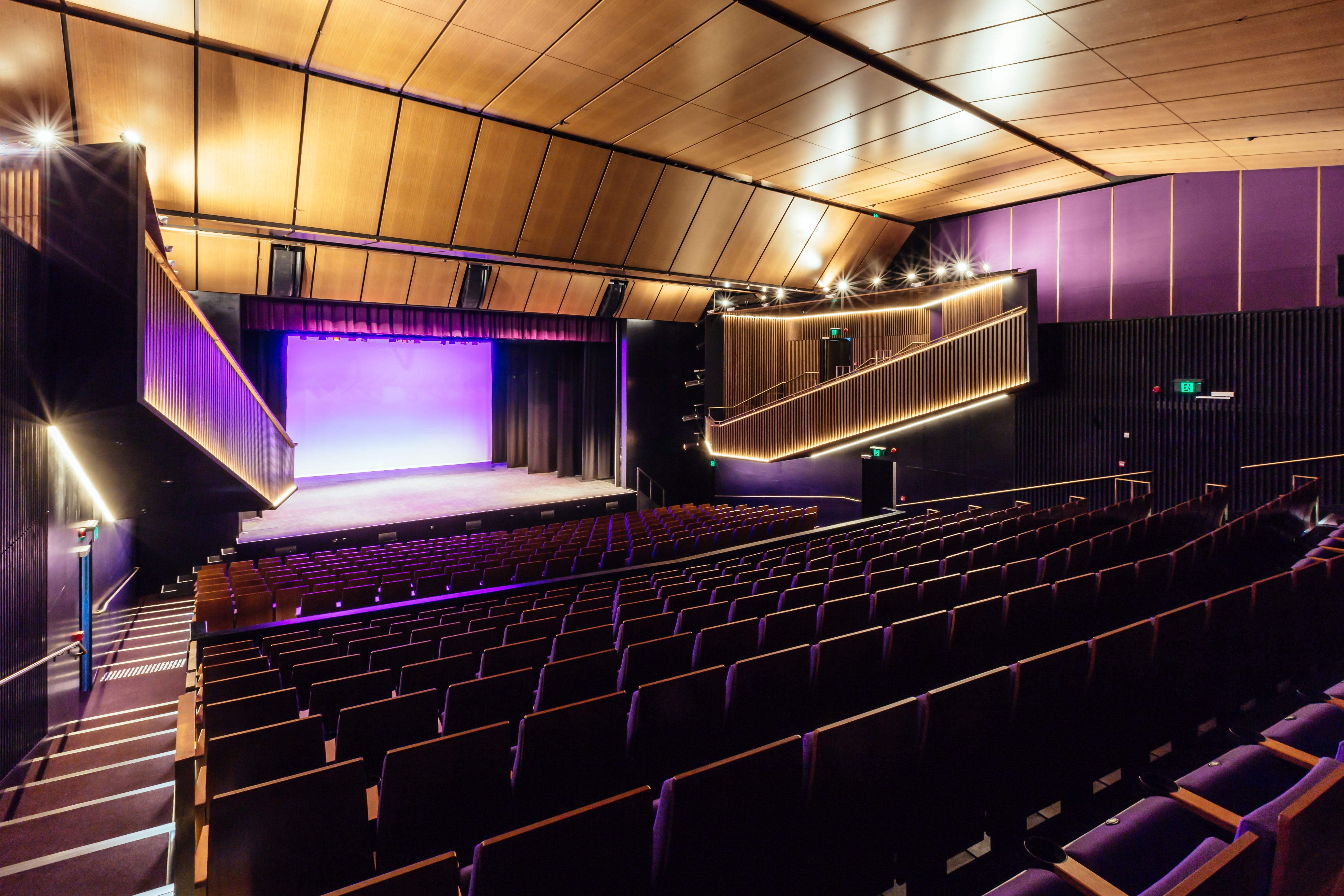 Sydney Comedy Festival Showcase Wyong - Accommodation in Surfers Paradise