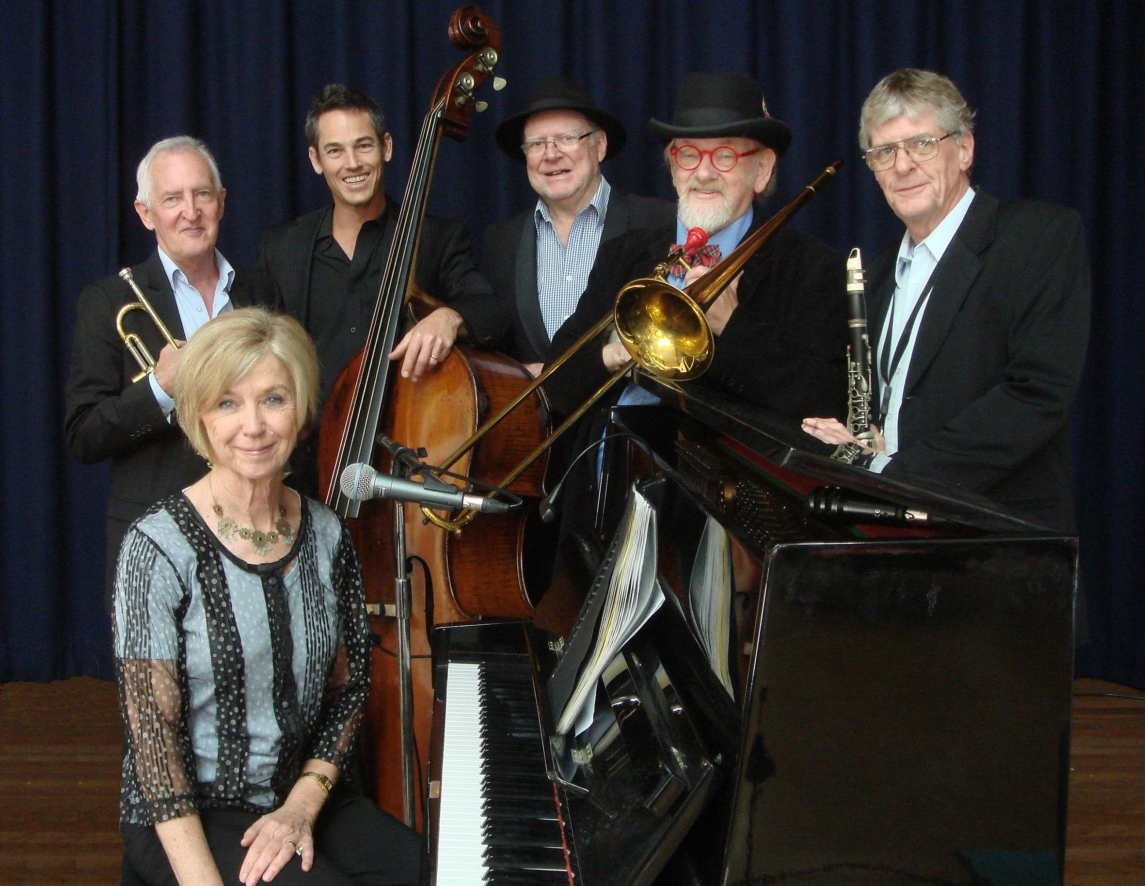 The Caxton Street Jazz Band in the Swigmore Hall at Robert Channon Wines - Accommodation in Surfers Paradise