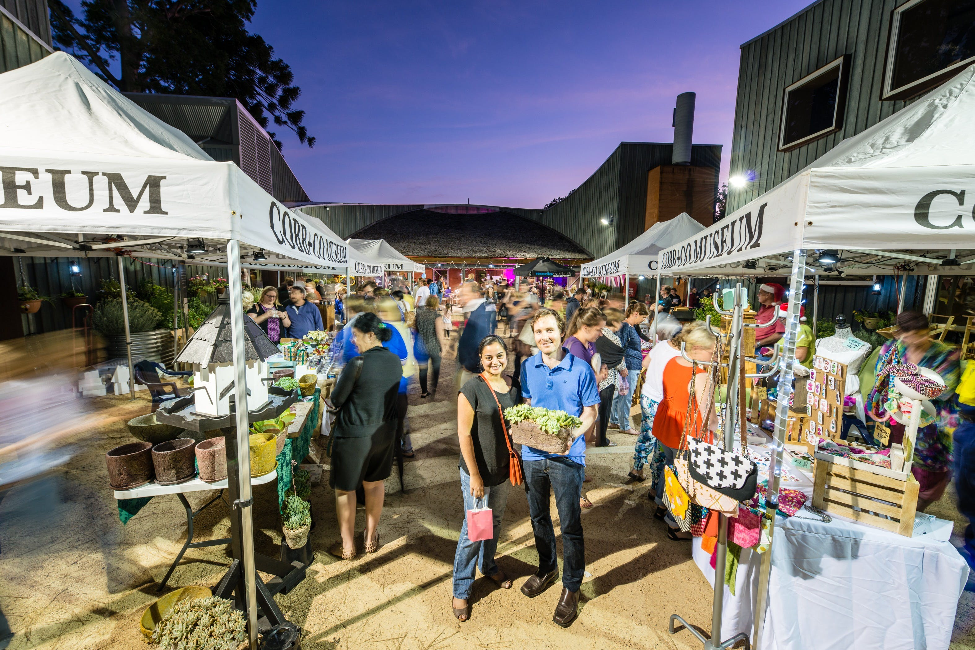 Hand Made Under the Stars - Twilight Market - Accommodation in Surfers Paradise