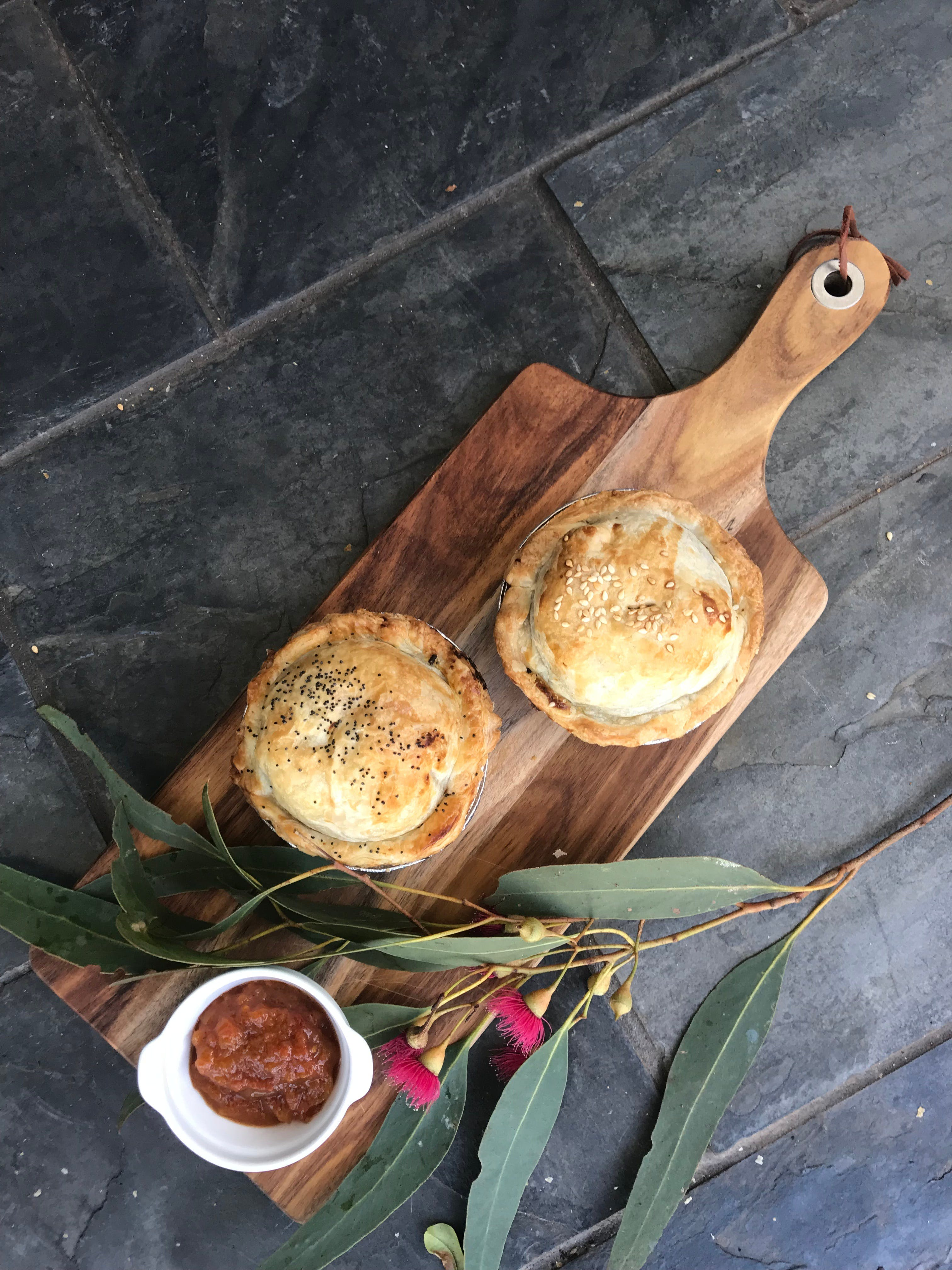 Aged Wine and Vintage Pies - Accommodation in Surfers Paradise