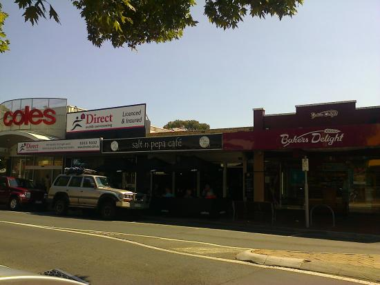 Salt n Pepa Cafe - Accommodation in Surfers Paradise