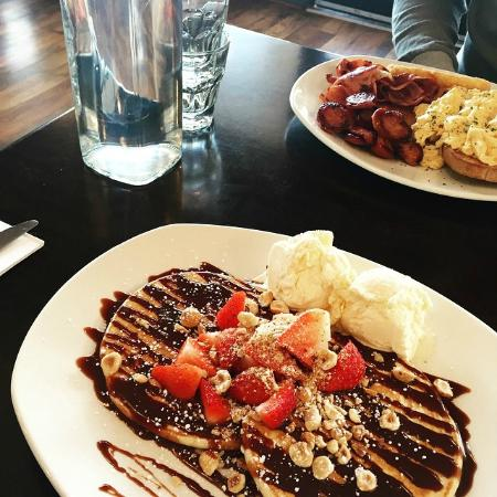 Zest Cafe Bar Restaurant - Accommodation in Surfers Paradise