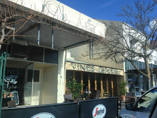 Vines Cafe  Bar - Accommodation in Surfers Paradise
