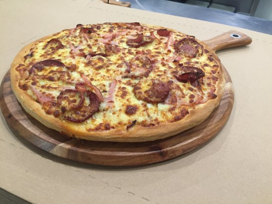 Pizza kitchen - Accommodation in Surfers Paradise