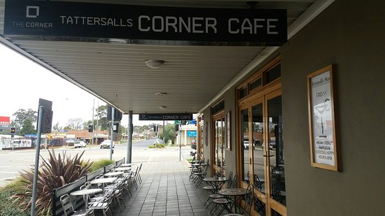 The Corner Cafe -Tatts Pub - Accommodation in Surfers Paradise