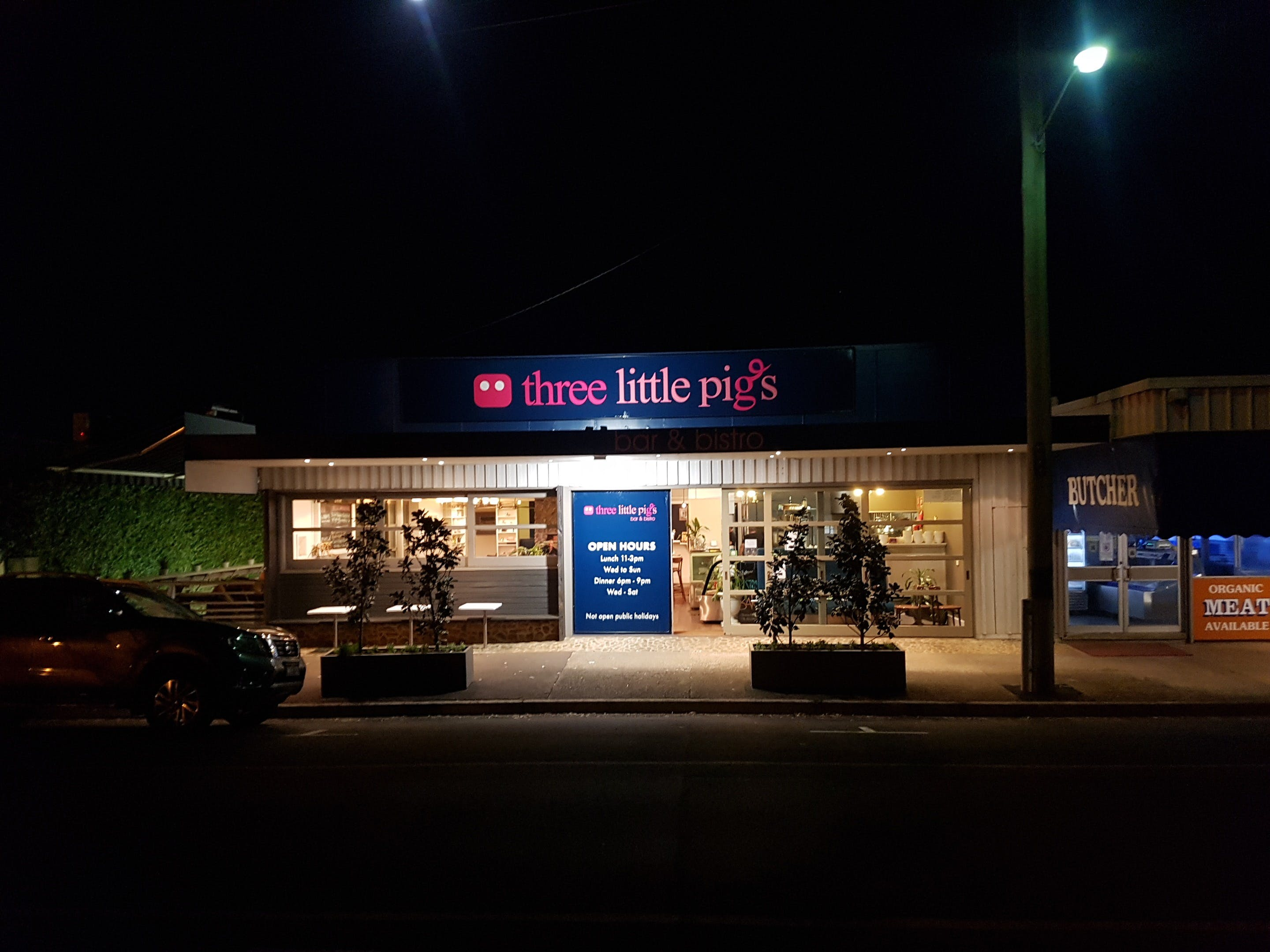 Three Little Pigs - Bar and Bistro - Accommodation in Surfers Paradise