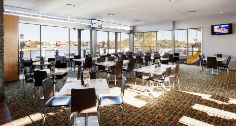 Pelican Waters Tavern - Accommodation in Surfers Paradise