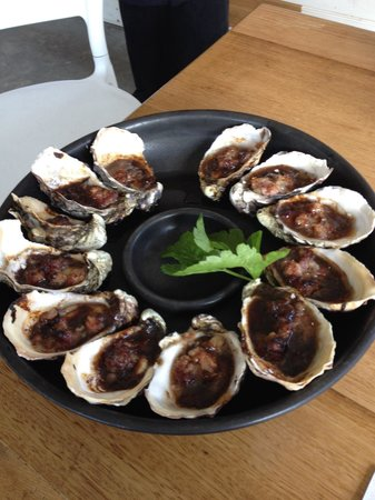 Get Shucked Oyster - Accommodation in Surfers Paradise