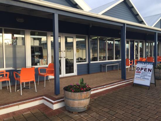 DeckChair Cafe - Accommodation in Surfers Paradise