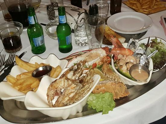 Ashmore Seafood and Steakhouse - Accommodation in Surfers Paradise