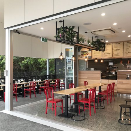 Burgerd - Accommodation in Surfers Paradise
