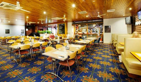 Coutts Commercial Tavern - Accommodation in Surfers Paradise