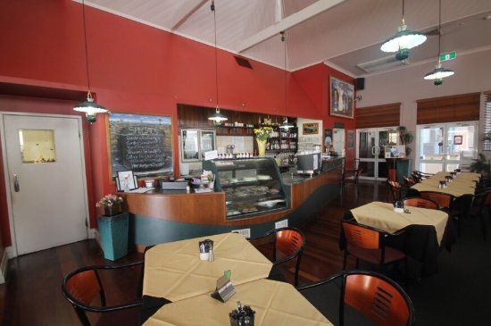 Henry's Cafe and Restaurant - Accommodation in Surfers Paradise