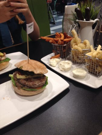 Burger Urge - Accommodation in Surfers Paradise