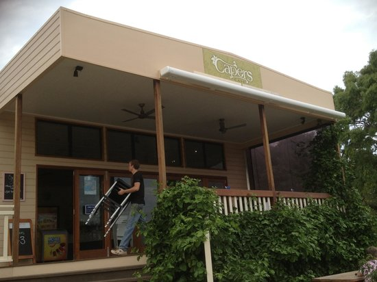 Capers Cafe - Accommodation in Surfers Paradise