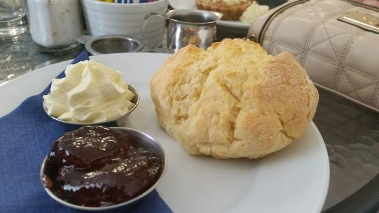 Cheese and Biscuits Cafe - Accommodation in Surfers Paradise
