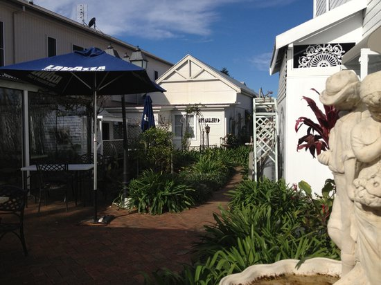 House of Gabriel - Accommodation in Surfers Paradise