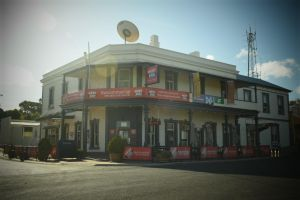 Commercial Hotel Morgan - Accommodation in Surfers Paradise
