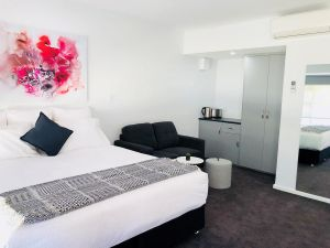 The Avenue Inn - Accommodation in Surfers Paradise