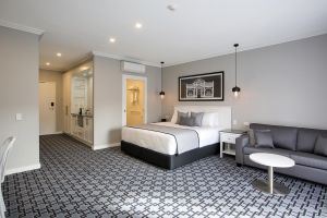 CH Boutique Hotel - Accommodation in Surfers Paradise