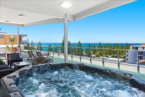 Macquarie Waters Boutique Apartment Hotel - Accommodation in Surfers Paradise