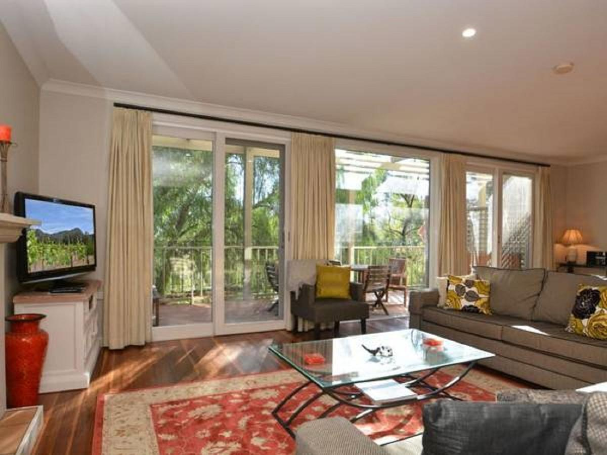 Villa Chianti located within Cypress Lakes - Accommodation in Surfers Paradise